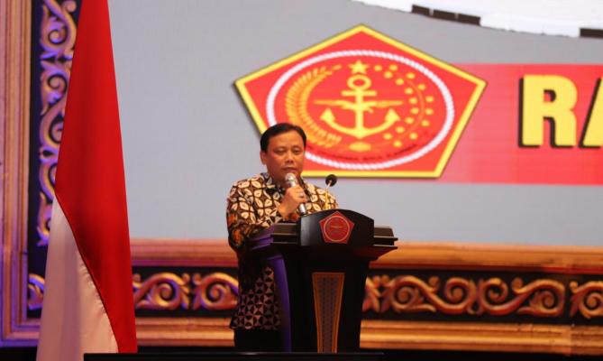 Abhan Menyampaikan Strategi Bawaslu kawal Pilkada 2020 dalam Rapim TNI-Polri